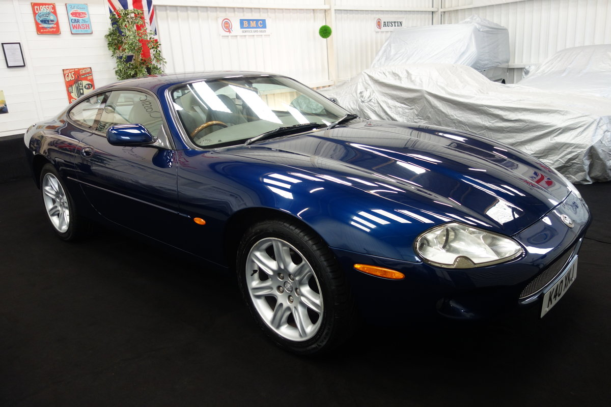 2000 Jaguar XK8 4.0 in lovely condition and full history SOLD (picture 1 of 6)