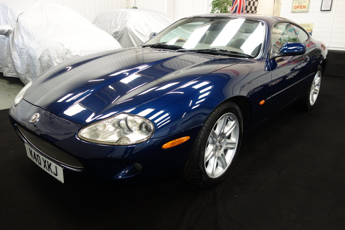 2000 Jaguar XK8 4.0 in lovely condition and full history SOLD (picture 2 of 6)