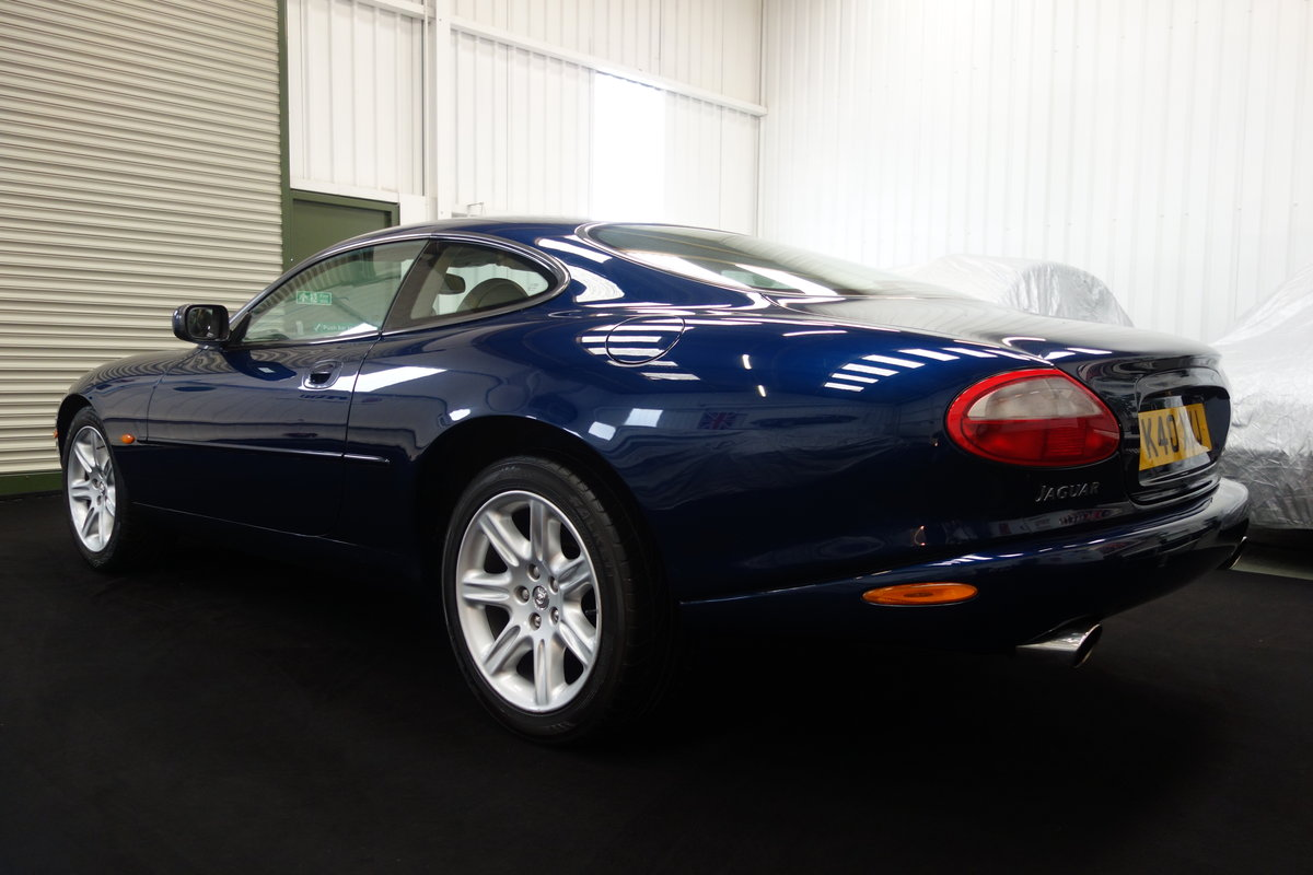 2000 Jaguar XK8 4.0 in lovely condition and full history SOLD (picture 3 of 6)