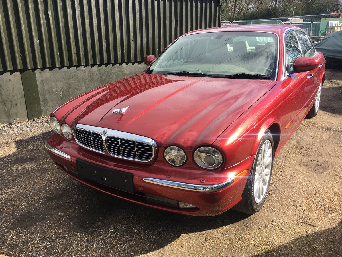 2003 Jaguar XJ8 SE only 51k from new and as new  100+HD pics For Sale (picture 1 of 6)