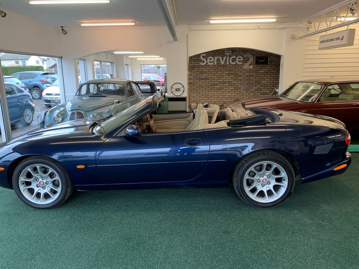 1999 Jaguar XKR – Supercharged – 370 BHP SOLD (picture 3 of 11)