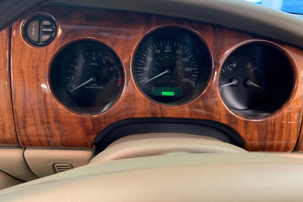 1999 Jaguar XKR – Supercharged – 370 BHP For Sale (picture 5 of 6)