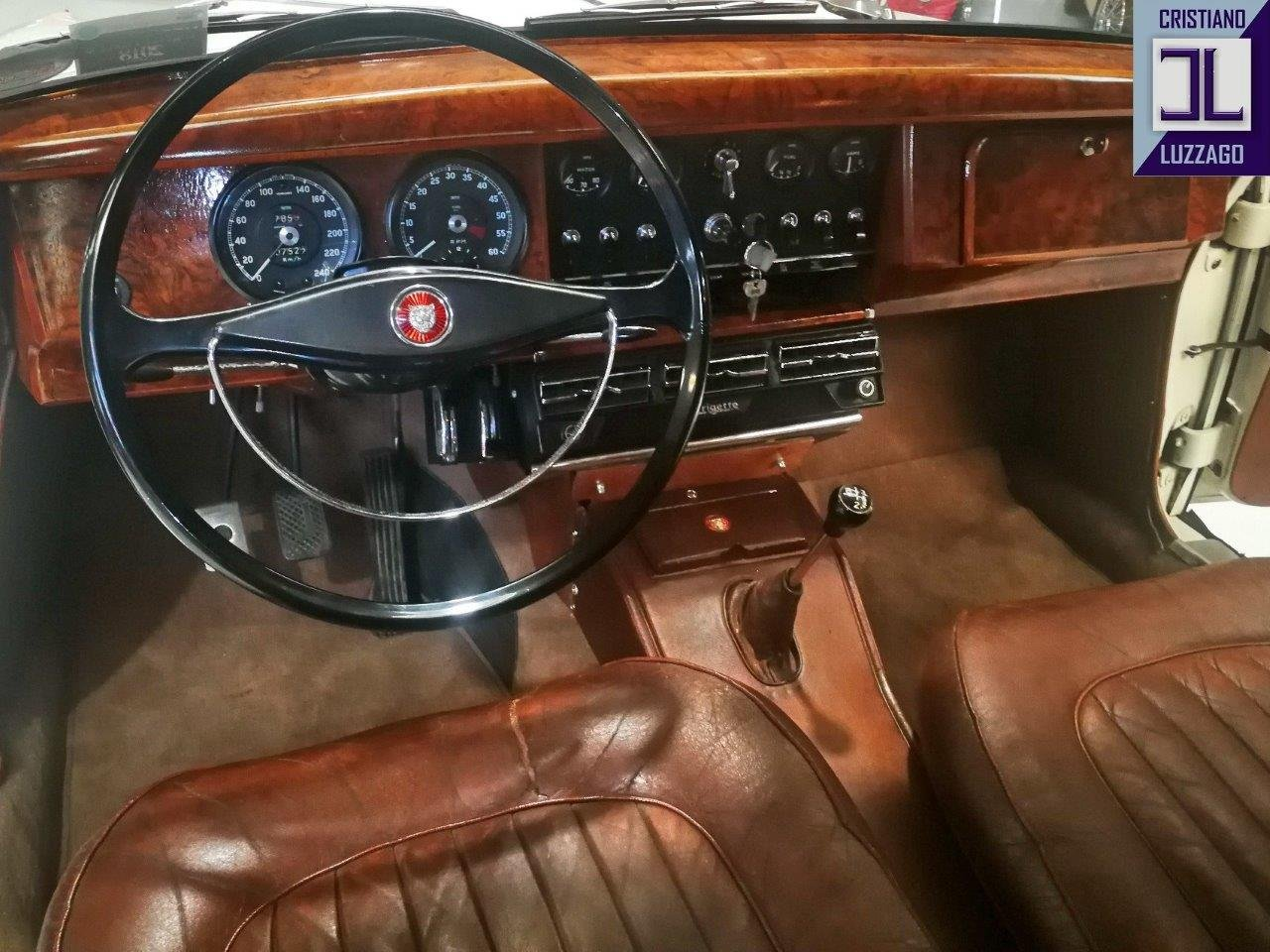 1967 JAGUAR MK2 3.800 SALOON WITH POWER STEERING AND AIR CON For Sale (picture 5 of 6)