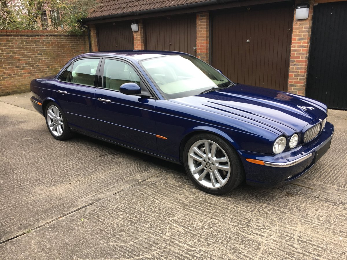 Jaguar XJR X350 2004 54k miles and stunning 100HD pics For Sale (picture 1 of 6)