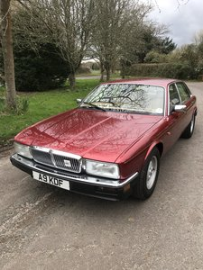 1992 XJ6 / XJ40 Sovereign - 34,000 miles FSH fabulous!!
