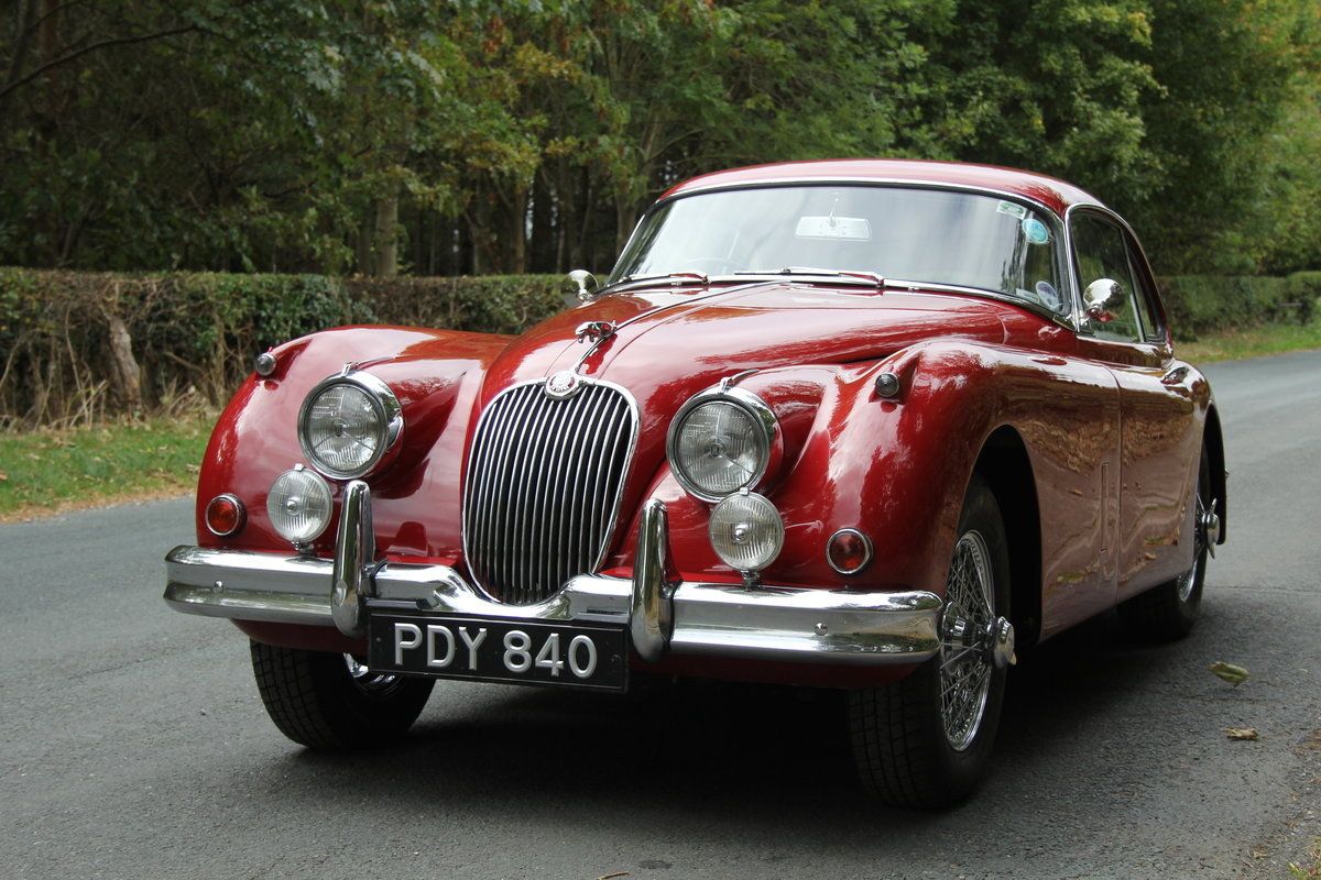 1960 Jaguar XK150 3.8 FHC - UK car, special order Pippen Red SOLD (picture 3 of 12)