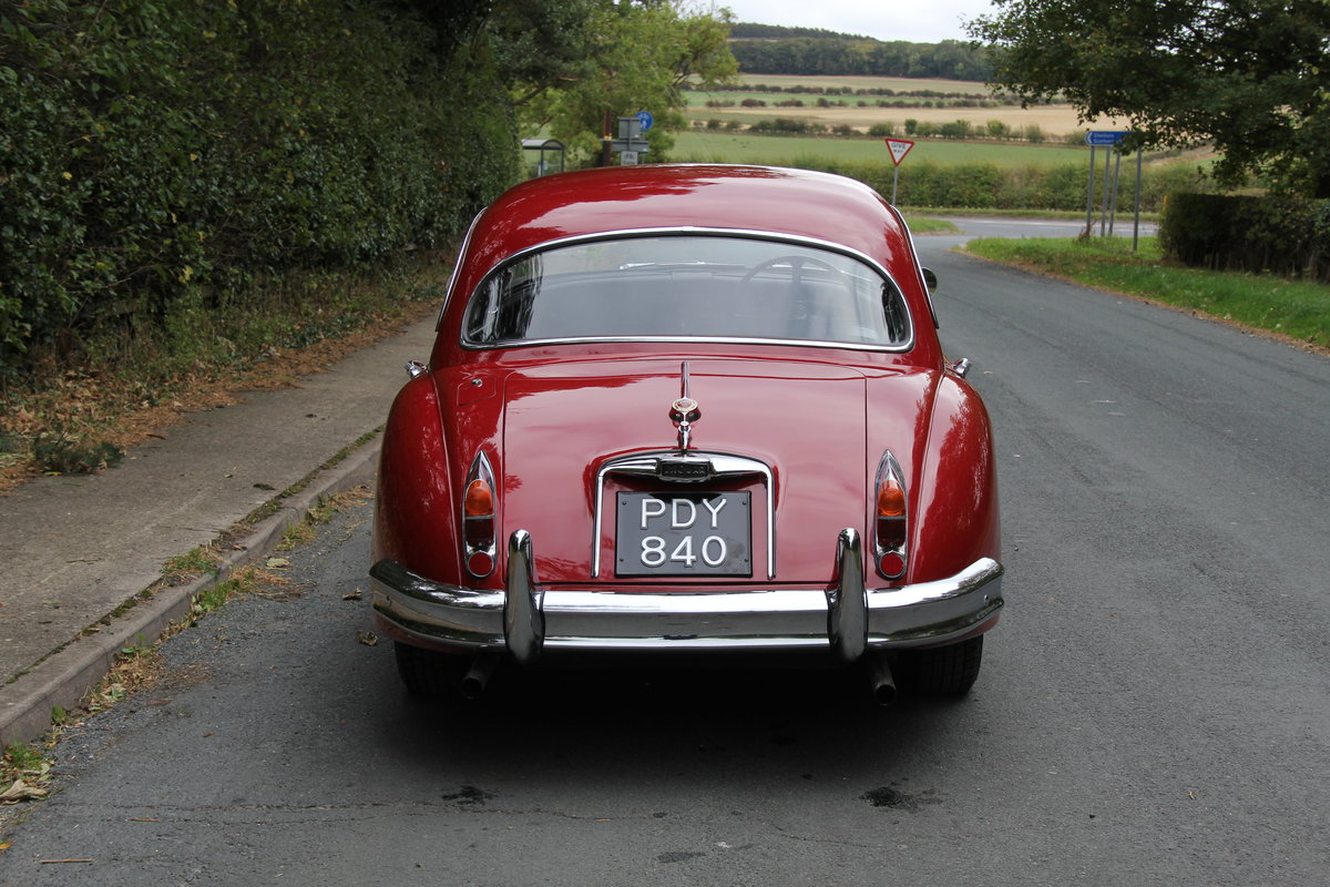 1960 Jaguar XK150 3.8 FHC - UK car, special order Pippen Red SOLD (picture 4 of 12)
