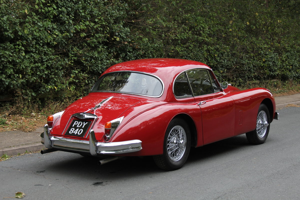 1960 Jaguar XK150 3.8 FHC - UK car, special order Pippen Red SOLD (picture 5 of 12)