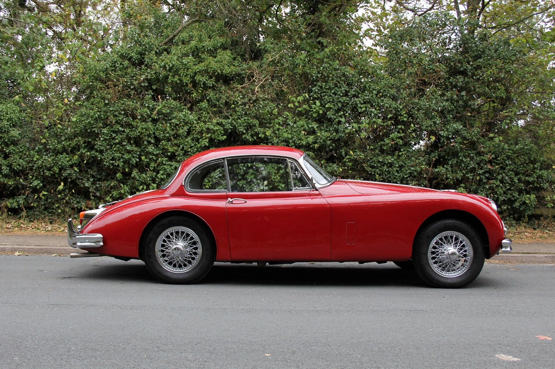 1960 Jaguar XK150 3.8 FHC - UK car, special order Pippen Red SOLD (picture 6 of 12)