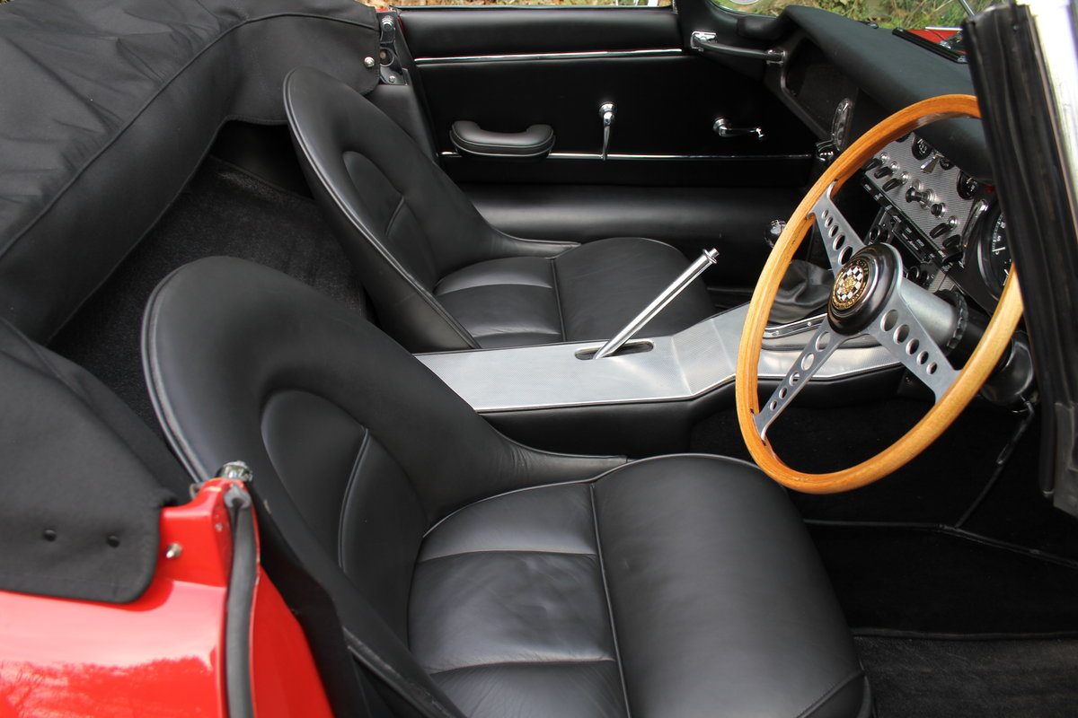 1963 Jaguar E-Type Series I 3.8 Roadster SOLD (picture 8 of 12)