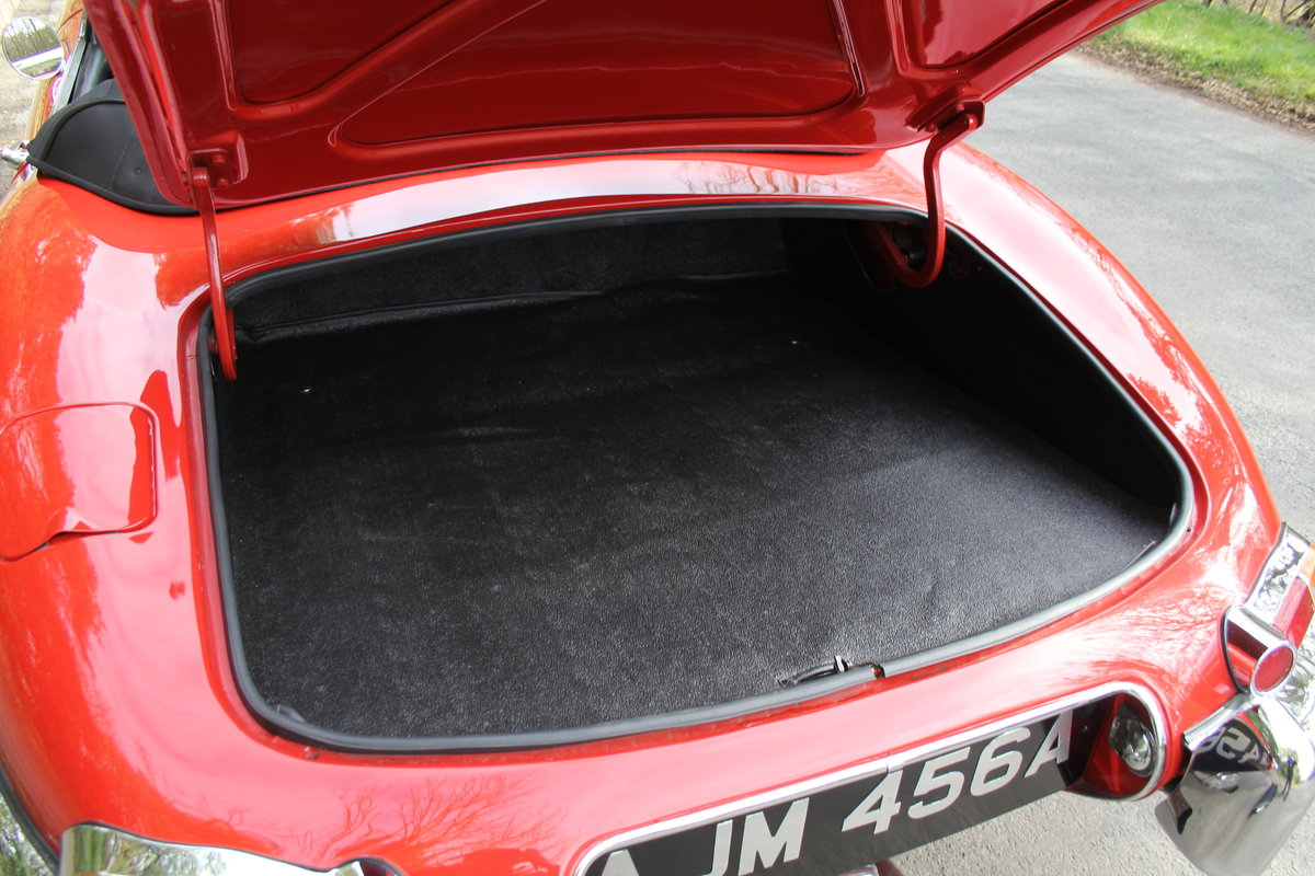 1963 Jaguar E-Type Series I 3.8 Roadster SOLD (picture 12 of 12)