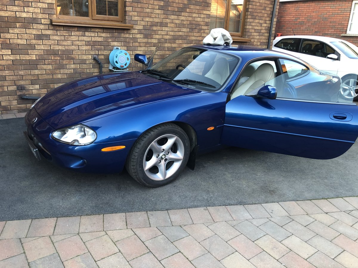 1998 Jaguar XK8 for sale For Sale (picture 1 of 6)