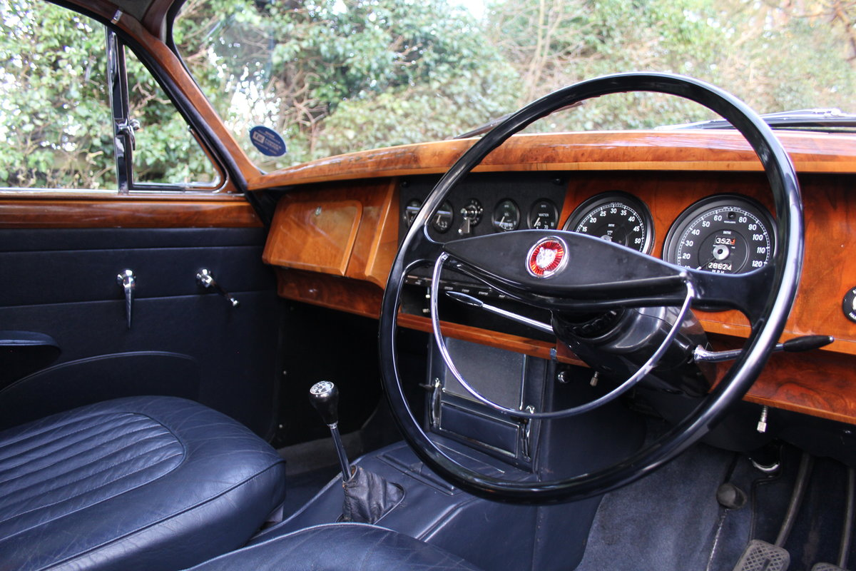 1963 Jaguar MKII 3.4 Manua lO/D, 28500 miles, matching numbers SOLD (picture 5 of 12)
