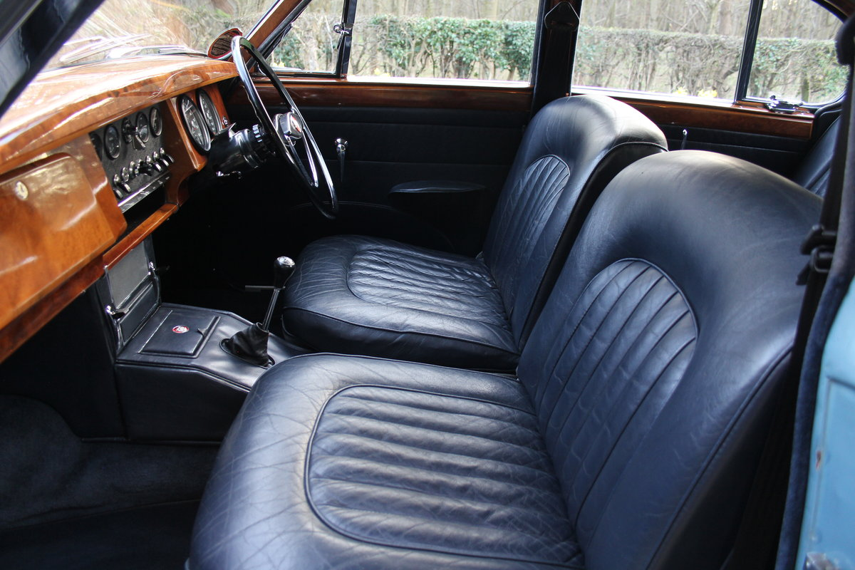 1963 Jaguar MKII 3.4 Manua lO/D, 28500 miles, matching numbers SOLD (picture 7 of 12)