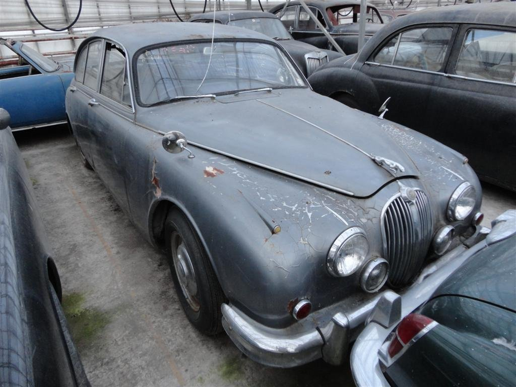 1966 Jaguar MK2 RHD to restore for sale For Sale (picture 1 of 6)