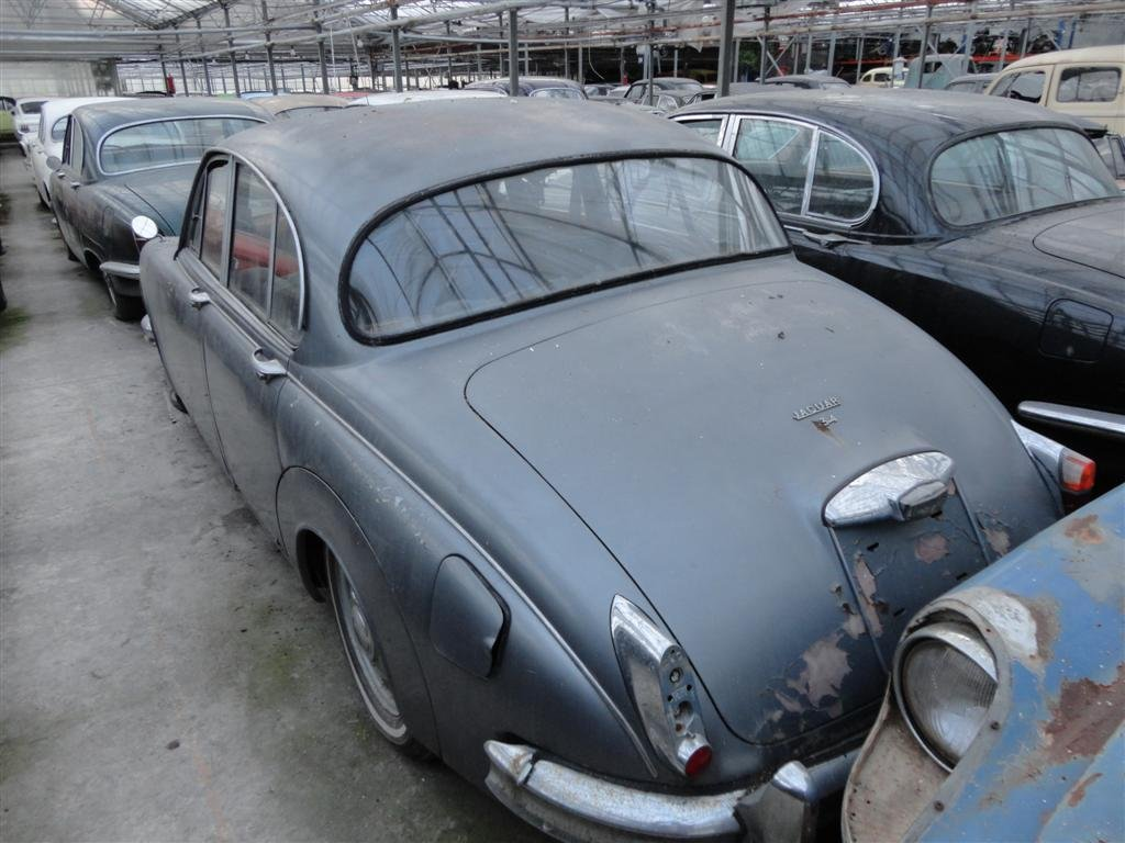 1966 Jaguar MK2 RHD to restore for sale For Sale (picture 2 of 6)