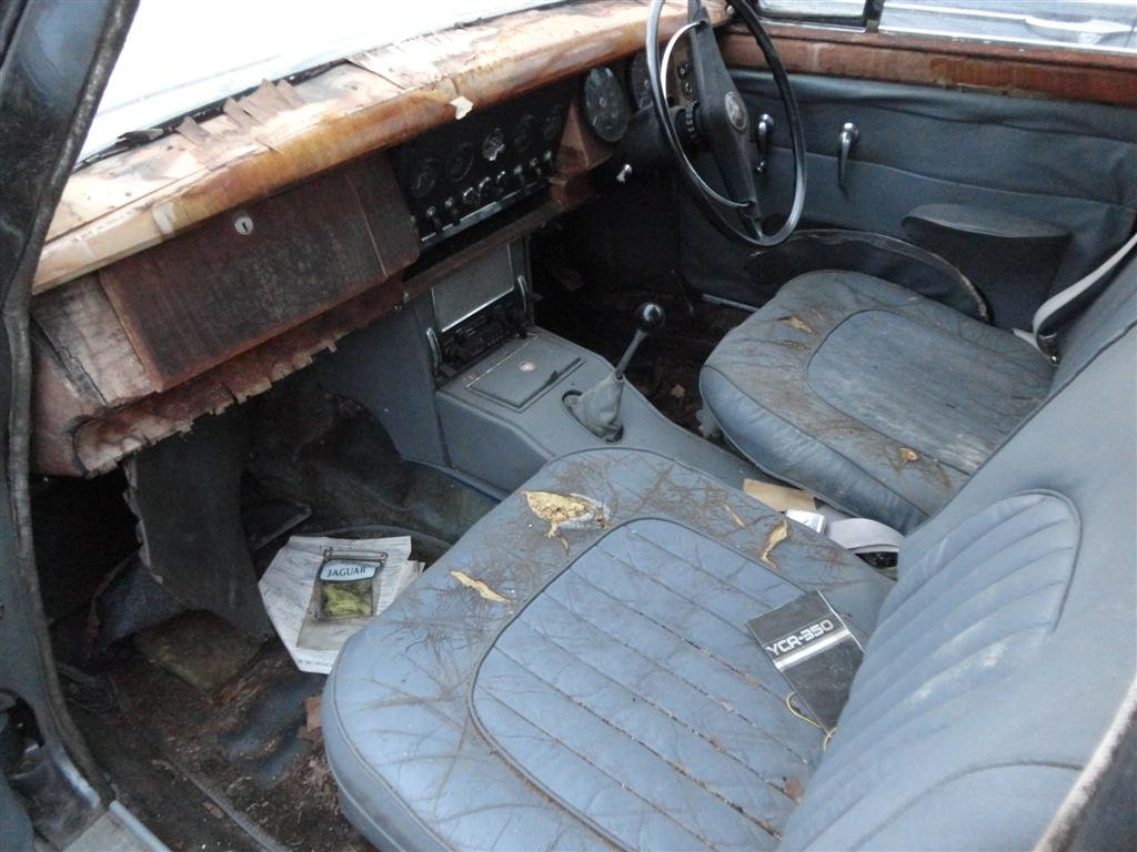 1966 Jaguar MK2 RHD to restore for sale For Sale (picture 4 of 6)