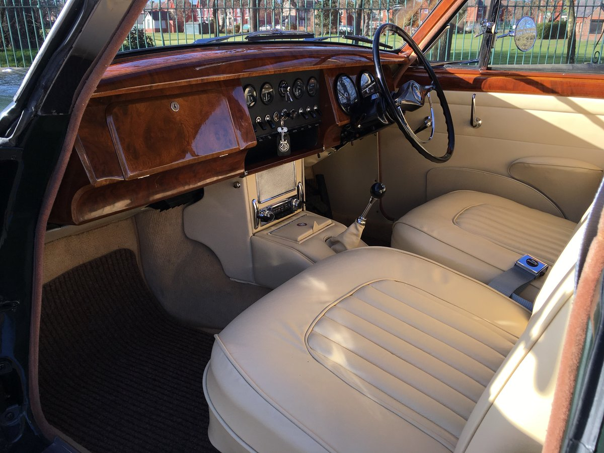1968 Jaguar MKII 240 Manual O/D  SOLD (picture 4 of 6)