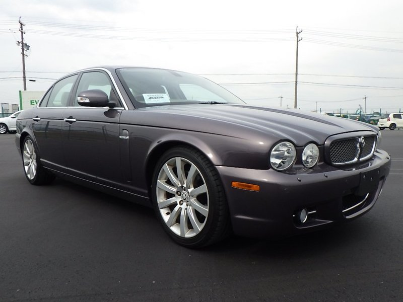 Jaguar Sovereign X358 2008 very low miles and FSH For Sale (picture 1 of 6)