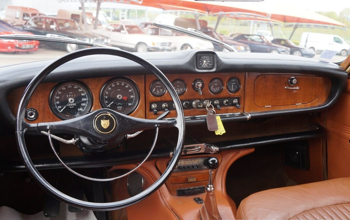 1967 Manual shift LHD Jaguar 420 For Sale (picture 5 of 6)