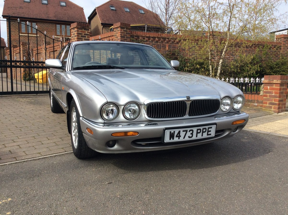 2000 Jaguar XJ8 3.2 45000 Miles exceptional condition SOLD (picture 1 of 6)