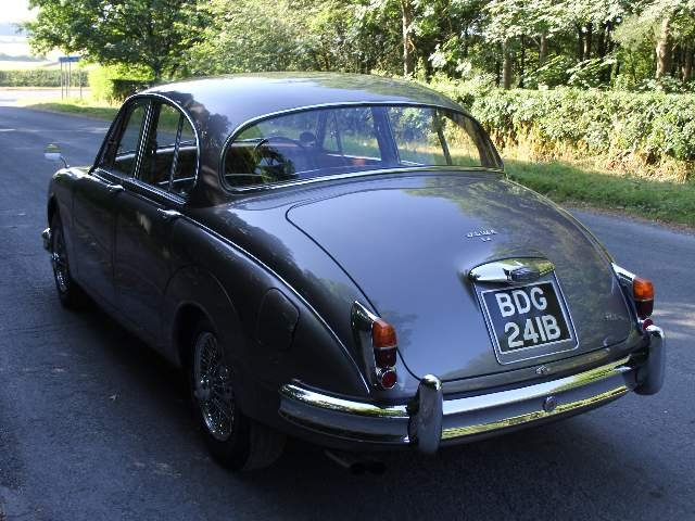 1964 Jaguar MKII 3.4 Manual with Overdrive  SOLD (picture 3 of 12)