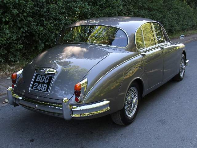 1964 Jaguar MKII 3.4 Manual with Overdrive  SOLD (picture 4 of 12)