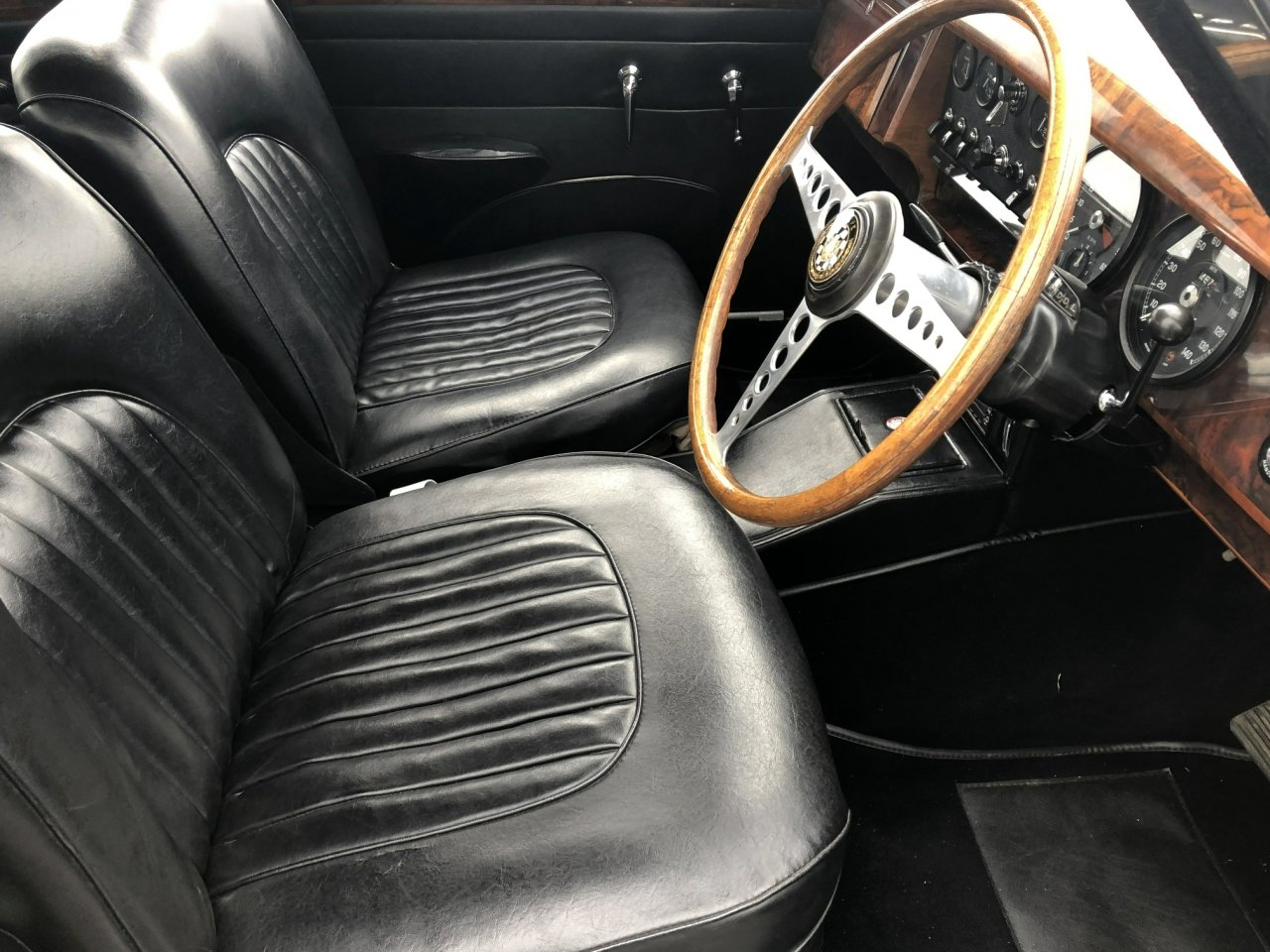 1967 Jaguar 340 MK II Automatic SOLD (picture 5 of 6)