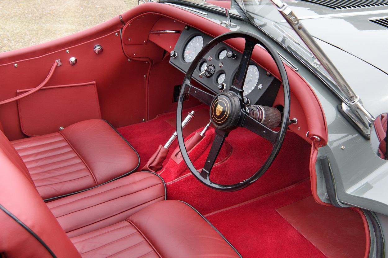 1955 Jaguar XK140 SE Roadster - C Type Head - Fully Restored For Sale (picture 4 of 6)