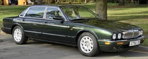 1998 Low mileage - immaculate LWB Jaguar Sovereign V8