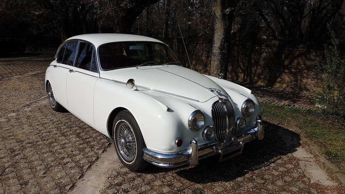 Jaguar Mk2 3.8 Automatic (1962) For Sale (picture 2 of 6)