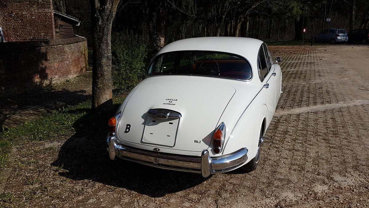 Jaguar Mk2 3.8 Automatic (1962) For Sale (picture 3 of 6)