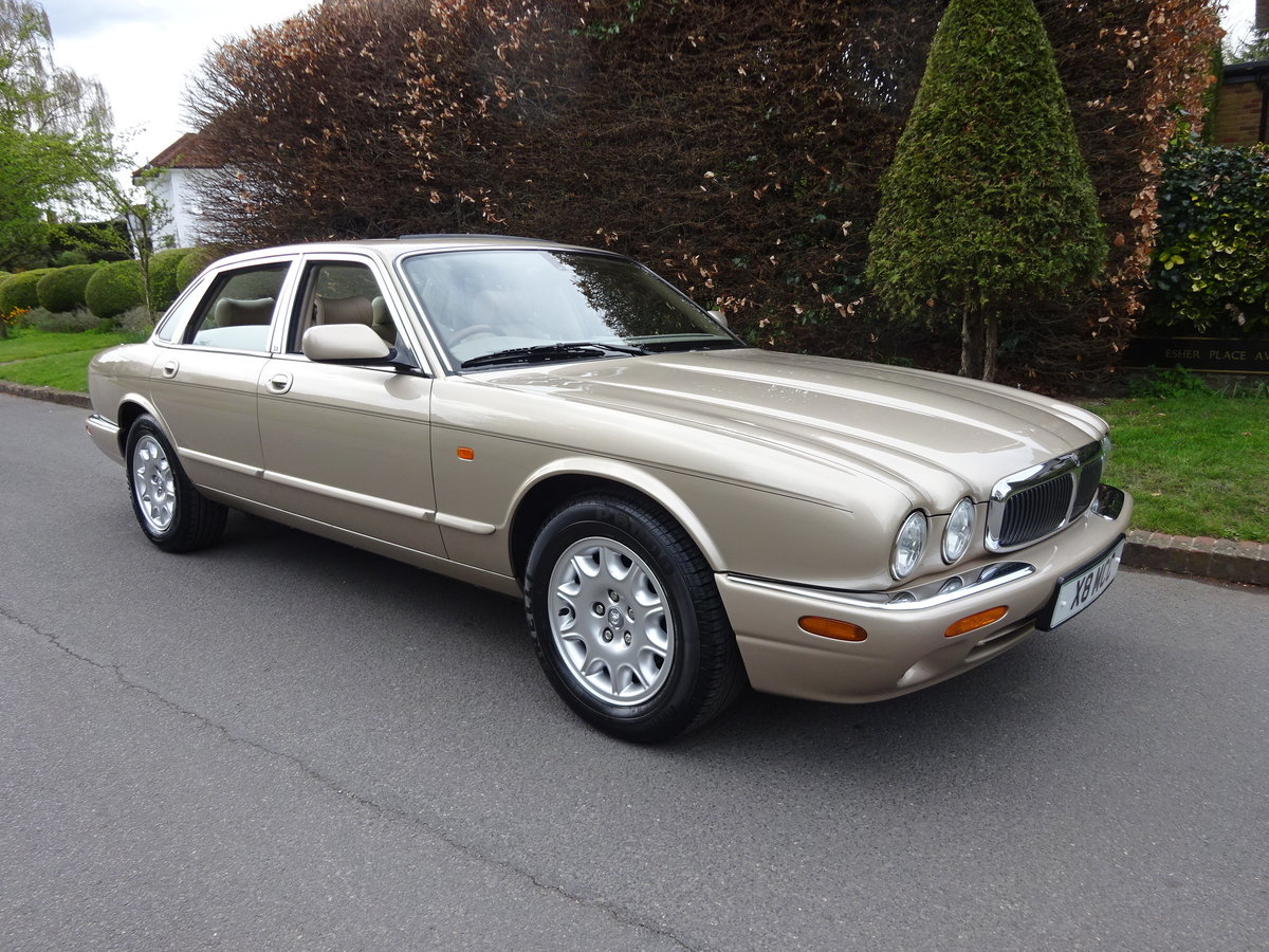 2001 JAGUAR XJ8 3.2 Ltr EXECUTIVE   41,000 miles only For Sale (picture 1 of 6)