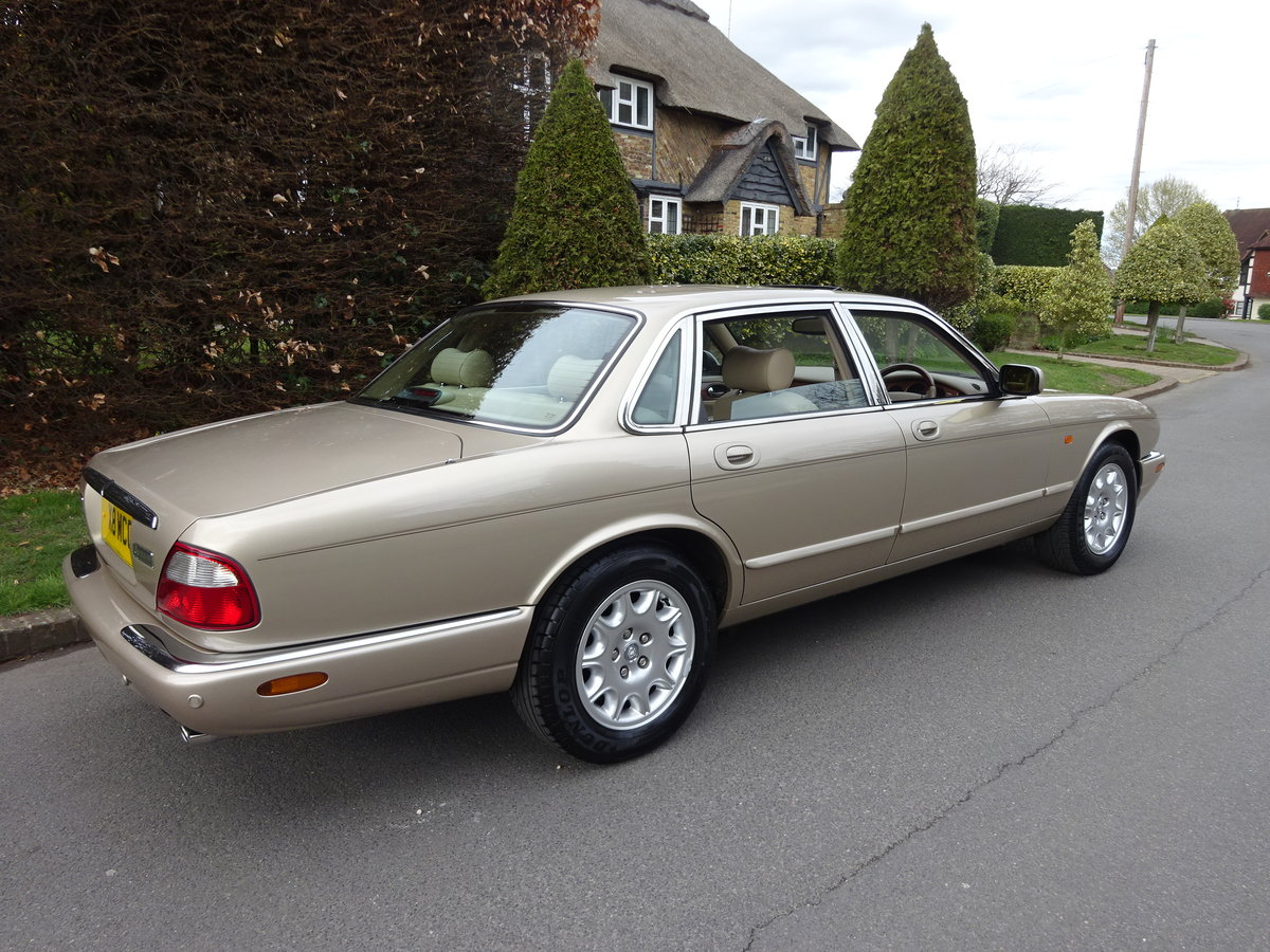 2001 JAGUAR XJ8 3.2 Ltr EXECUTIVE   41,000 miles only For Sale (picture 3 of 6)