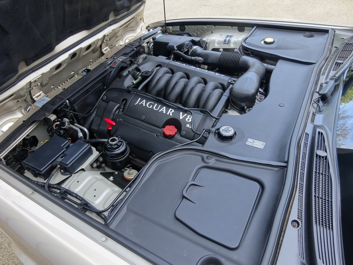 2001 JAGUAR XJ8 3.2 Ltr EXECUTIVE   41,000 miles only For Sale (picture 6 of 6)