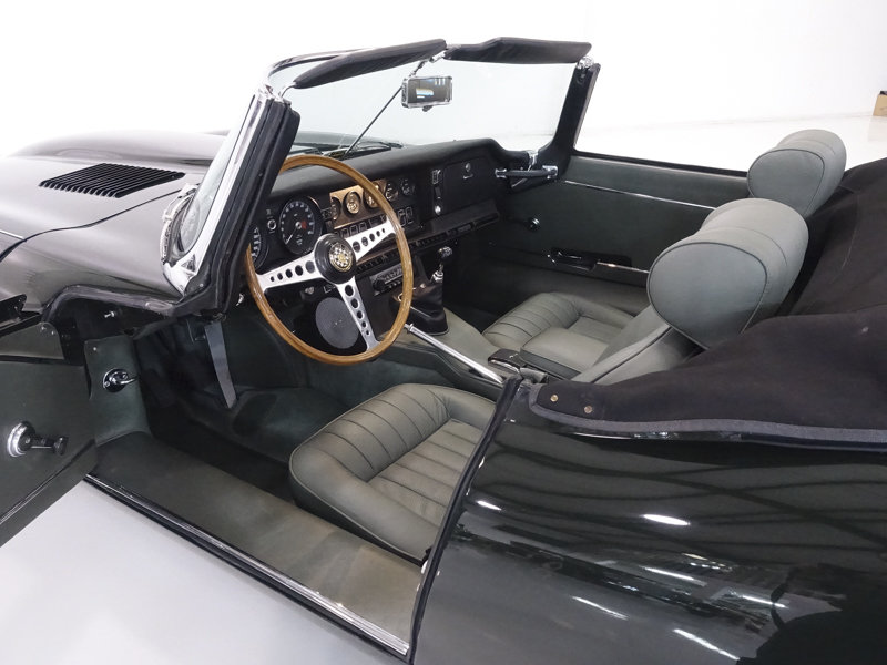 1969 Jaguar E-Type Series II Roadster For Sale (picture 3 of 6)