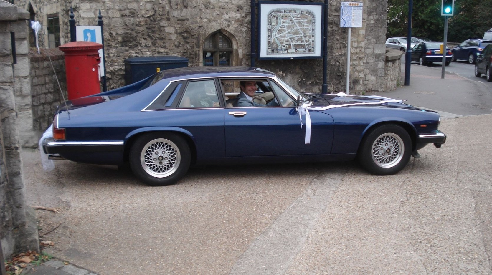 FOR SALE very rare 3.6 manual 1983 XJS in blue For Sale (picture 3 of 6)