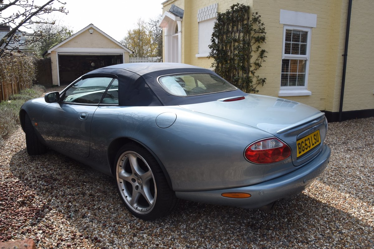2003 Classic Jaguar XKR 4.2 Supercharged Convertible For Sale (picture 3 of 6)