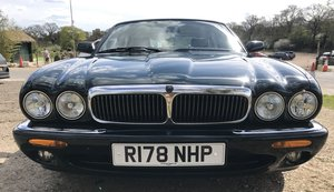 XJ Sport 3.2 1998/R British Racing Green 70k miles