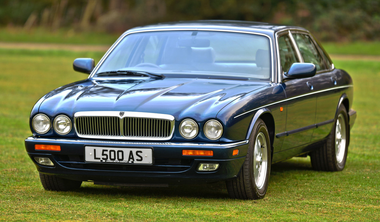1996 Jaguar XJ6 Sovereign X300 SOLD (picture 1 of 6)