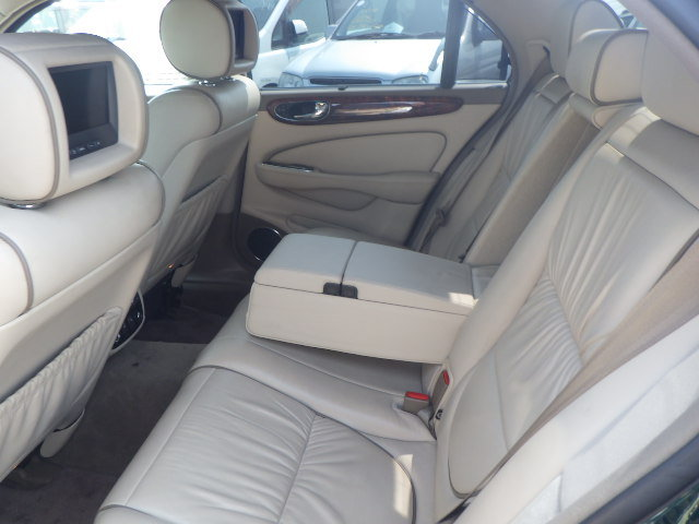 2003 Jaguar Super V8 SWB 52k miles and stunning throughout For Sale (picture 6 of 6)