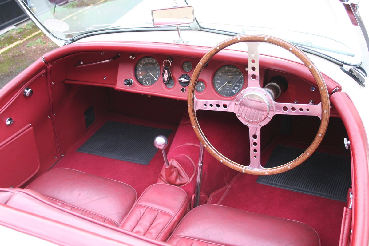 1952 Jaguar XK120 registration NBU120 For Sale (picture 3 of 6)