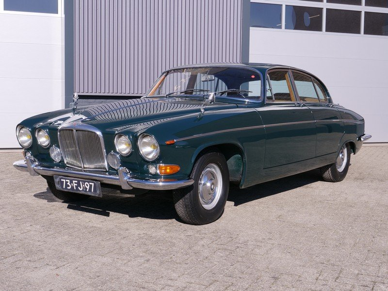 1970 Jaguar 420G only two owners, long term ownership For Sale (picture 1 of 6)