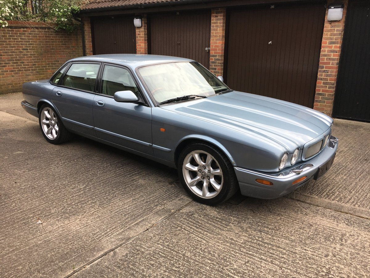 Jaguar XJR 2001 1 owner for last 14 years For Sale (picture 1 of 6)