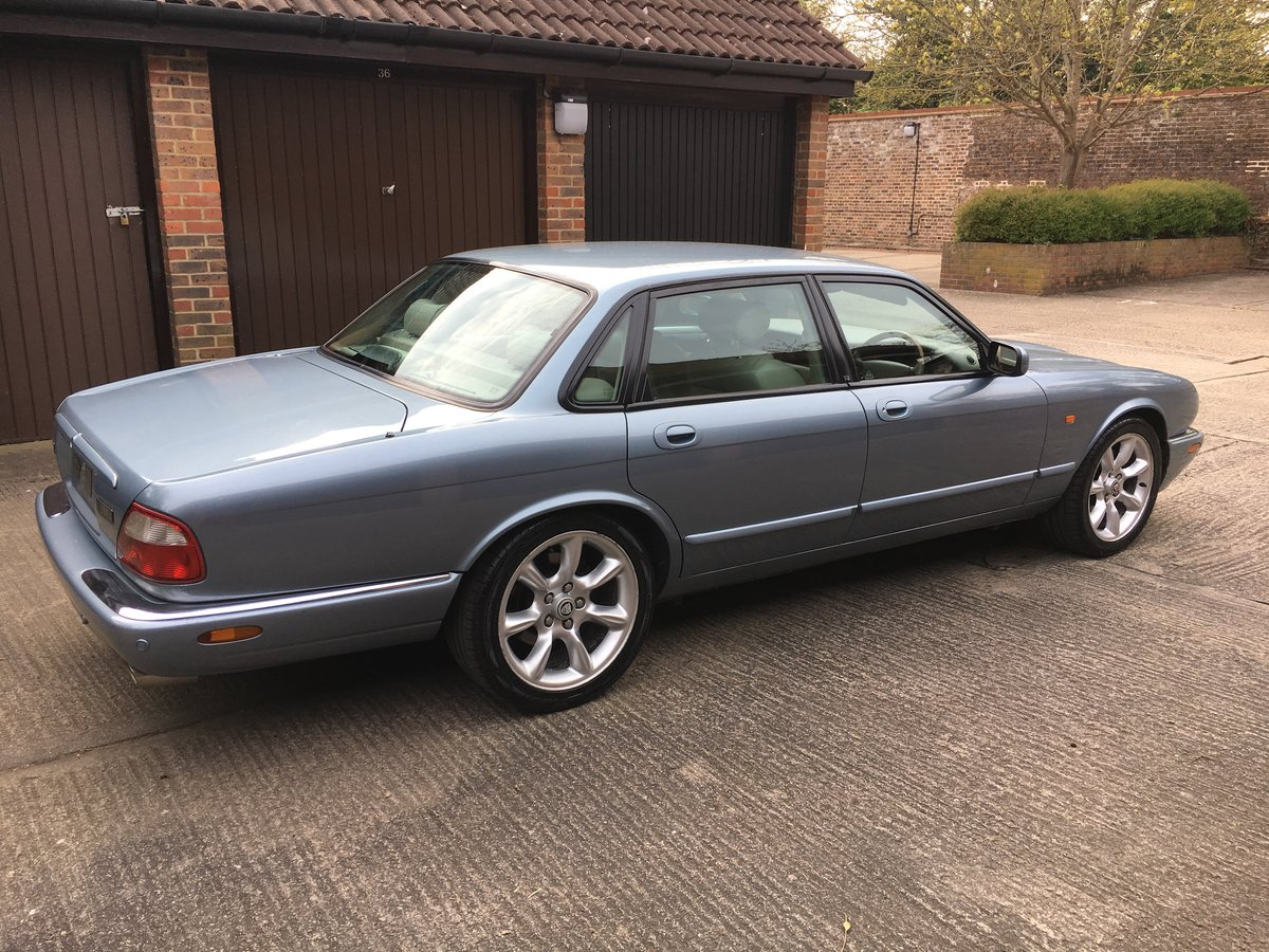 Jaguar XJR 2001 1 owner for last 14 years For Sale (picture 2 of 6)