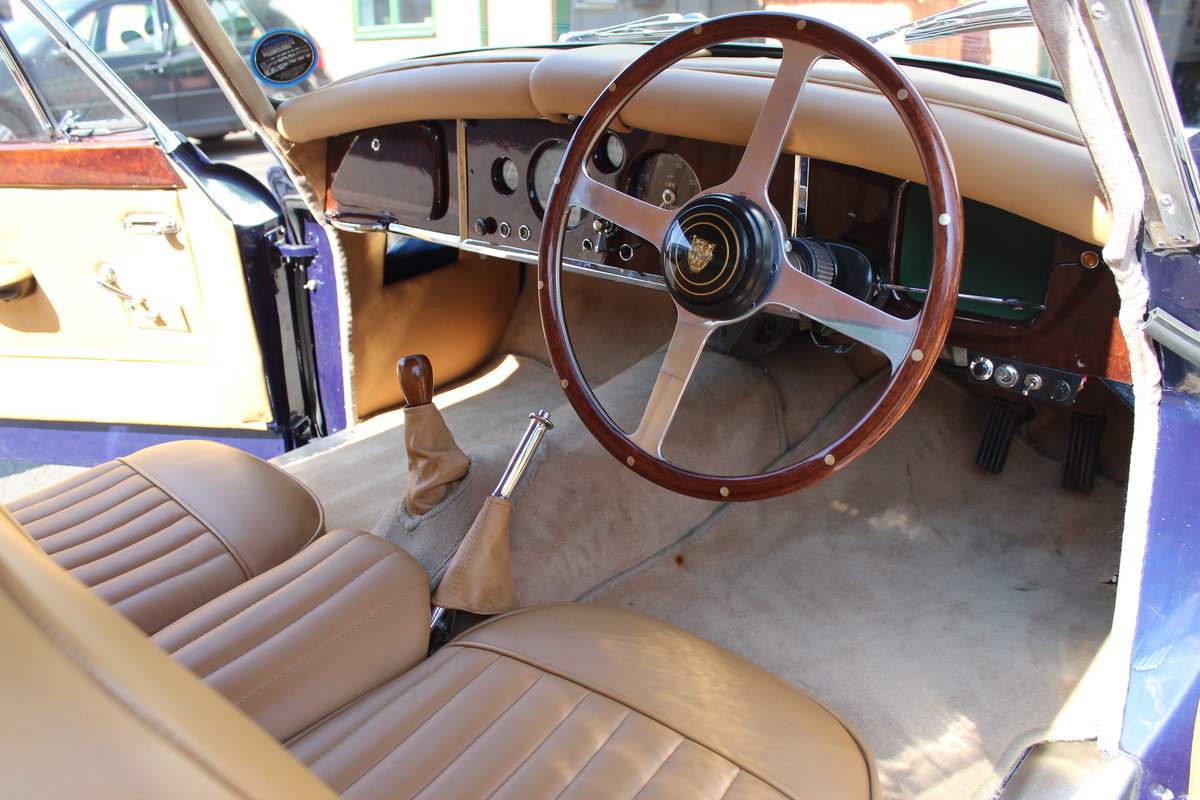 1959 Jaguar XK150 3.4 FHC For Sale (picture 4 of 6)