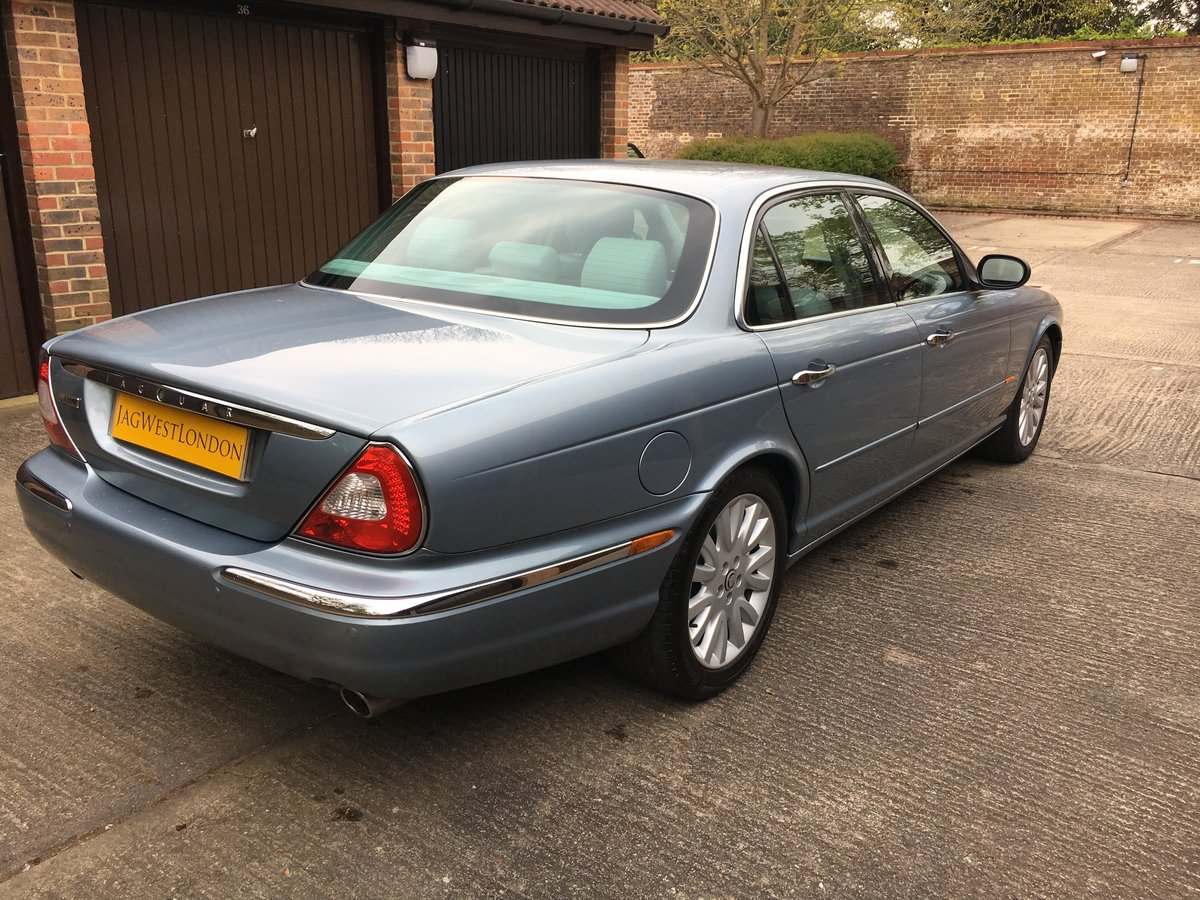 2004 Jaguar XJ6 3.0 SE  V6 119k  exceptional  with FSH 100 pics For Sale (picture 2 of 6)