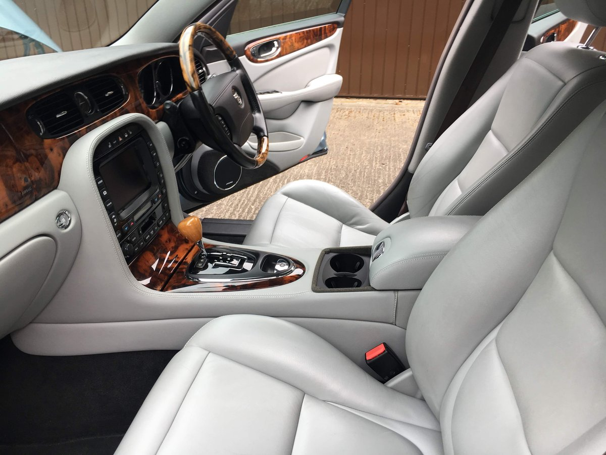2004 Jaguar XJ6 3.0 SE  V6 119k  exceptional  with FSH 100 pics For Sale (picture 6 of 6)
