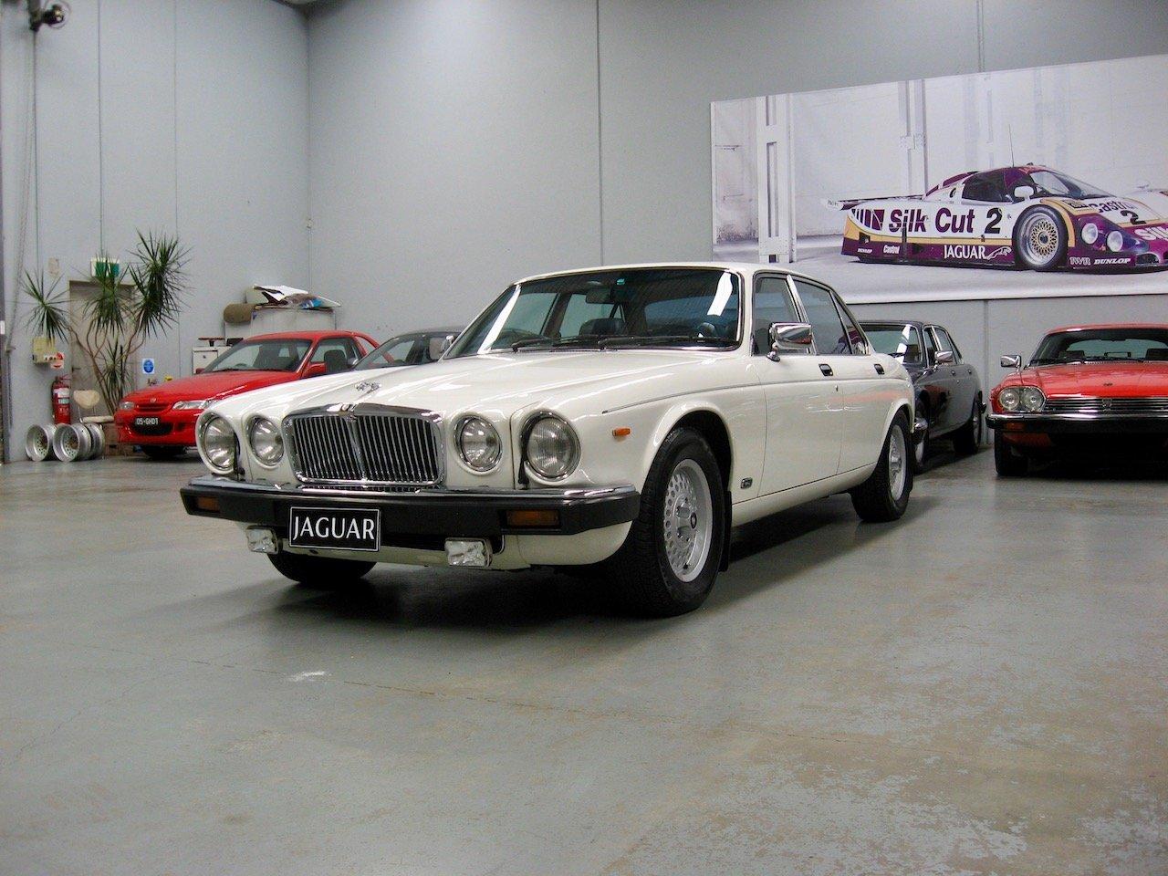 1988 Jaguar XJ12 Series 3 V12 Sovereign For Sale (picture 2 of 6)