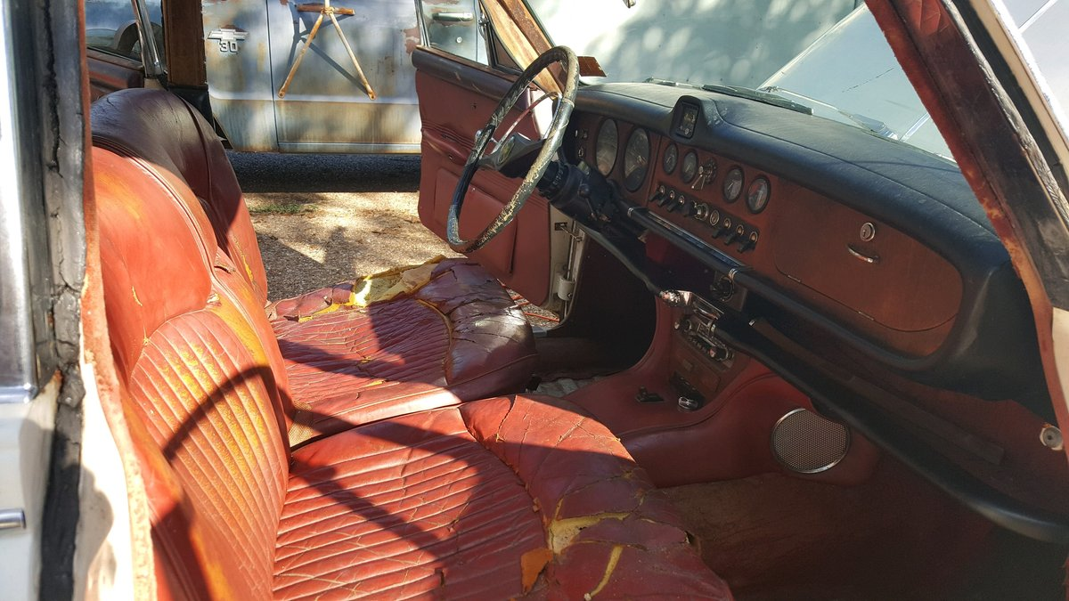 1967 Jaguar 420 rust free - Barn find SOLD (picture 4 of 6)